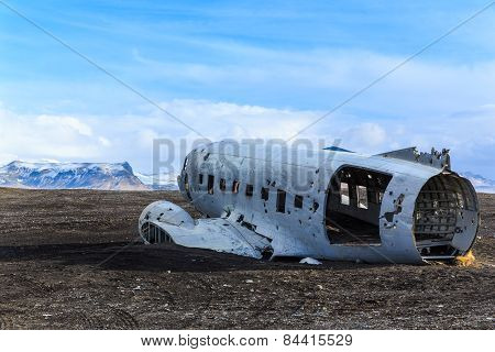 Wreck airplane