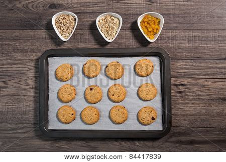 Freshly baked integral biscuits