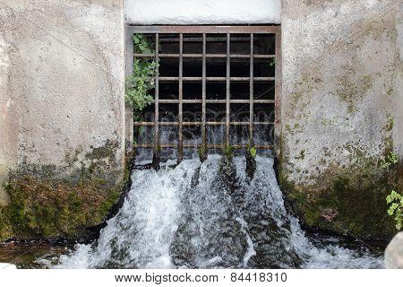 Water Grating