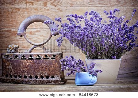 Dry lavender and rustic (rusty) iron