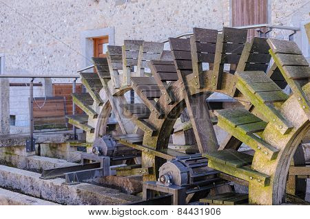 Mill,shovel By Wood