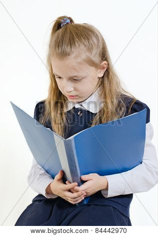 the schoolgirl reads the abstract