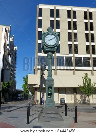 Reno, Usa - August 12: Ginsbirg Clock In Downtown Plaza On August 12, 2014 In Reno, Usa.  Reno Is Th