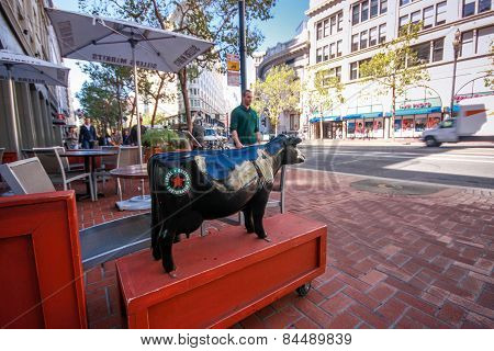 San Francisco, Us - Sept 22, 2010: Entrance To Restaurant Declared Its Food To Be Organic Local And