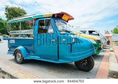Old-fashioned Vintage Tuk-tuk