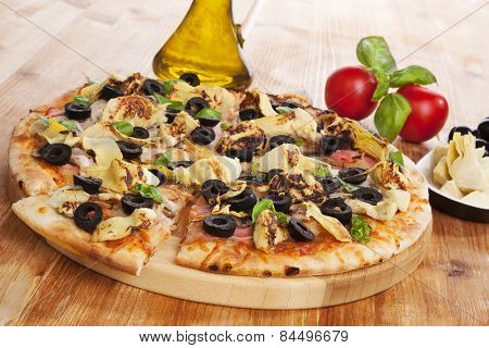 Culinary Pizza Eating. Mediterranean food.
