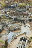 pic of gold mine  - Old gold mining exploitation method miniature model - JPG