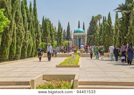 Mausoleum of Saadi park