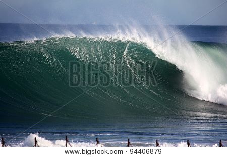 Newcastle Powerful Wave
