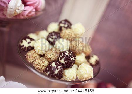 Chocolate And Vanilla Balls