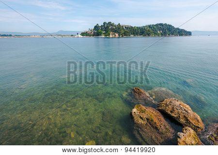 Mouse Island, Pontikonissi