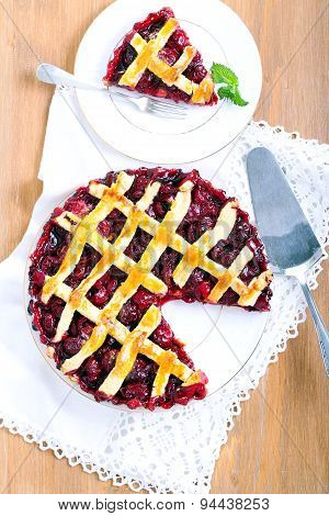 Classic Sour Cherry Pie