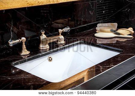 Bbath Sink In A Bathroom