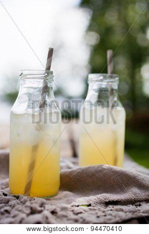 Ice tea with paper straws