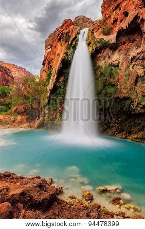Amazing Havasu Falls in Arizona
