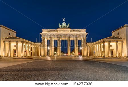 Berlins most famous landmark, the Brandenburger Tor, at night