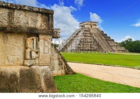 Kukulkan pyramid of Chichen Itza in Mexico