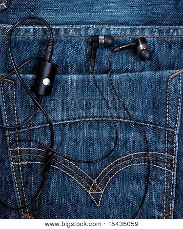 headset in back pocket