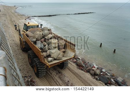 the construction of the beach construction equipment at sea beach facilities construction of the pier construction of Bank protection structures construction equipment at sea beach facilities construction of structures to protect against sea waves