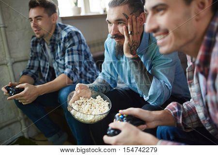 Watching video game