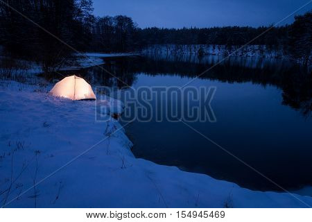 Accommodation extreme location in the winter at dusk