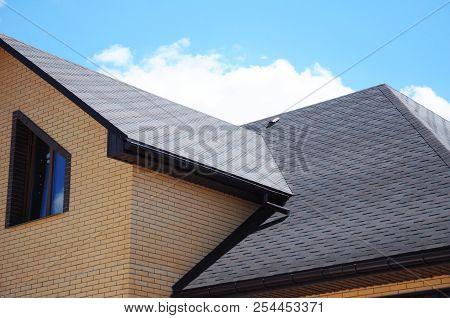 Asphalt Shingles House Roofing Construction
