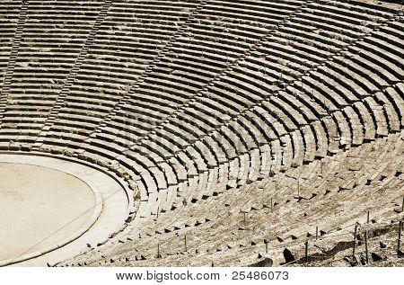 Antiguo teatro de Epidauro en Grecia