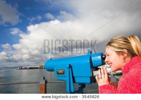 Tourist-viewer