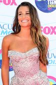 LOS ANGELES - 22 de JUL: Lea Michele, llegando en el 2012 Teen Choice Awards en el anfiteatro Gibson en