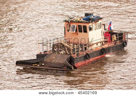 Rabbish Ship On The Moscow River