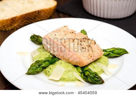 Salmon Fillet With Green Asparagus
