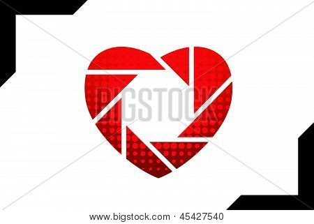 Photographic icon shaped like heart