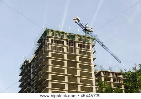 Construction of many storeyed building