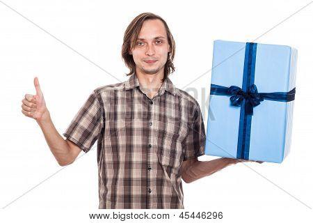 Glücklicher Mann mit großen Geschenk