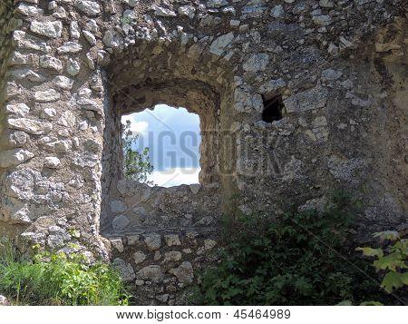 Ruin Staatz