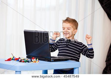 Child Look Laptop