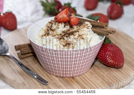 Rice Pudding With Cinnamon And Strawberries