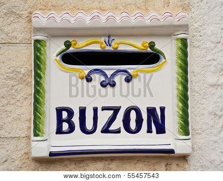 Buzon, Mailbox