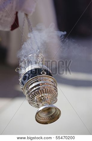 Censer of silver or alpaca to burn incense in the holy week