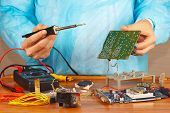 Master solder electronic board of device in service workshop