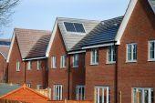 Постер, плакат: Новый строить дом с солнечных панелей