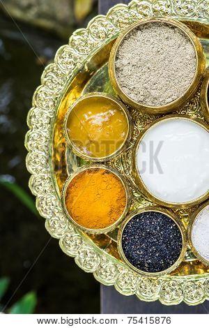 Scrubb Powder For Spa Massage