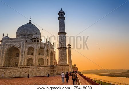Evening view of Taj Mahal