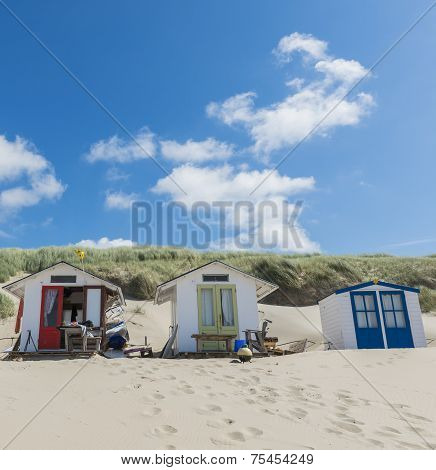 Three Cabins On The Beach