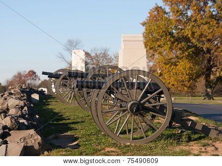 Artillery at stone fence line in Gettysburg