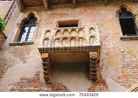 Juliet Balcony In Courtyard Of The Museum. Verona, Italy