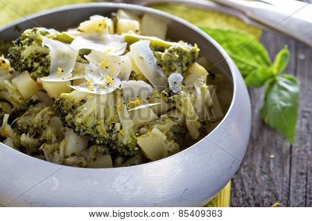 Stewed potato and broccoli