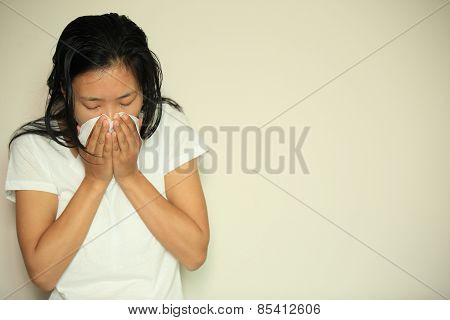 cough woman sneeze nose