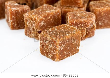 Unclarified Organic Brown Cane Sugar Cube