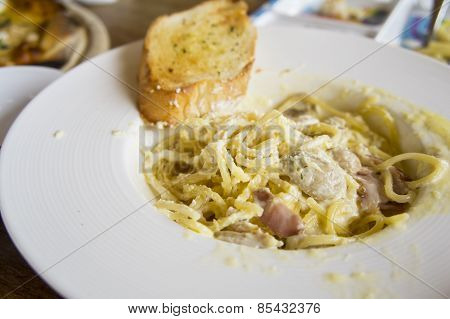Food Pizza Spaghetti Carbonara Lunch Hungry Dinner Taste